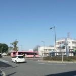 金剛駅前とバスターミナル(周辺)
