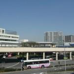 当地からバス12分で泉北高速泉ヶ丘駅です