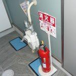 共用廊下に設置済みの消火器